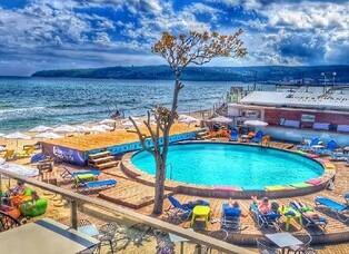 Moonlight Bar & Restaurant